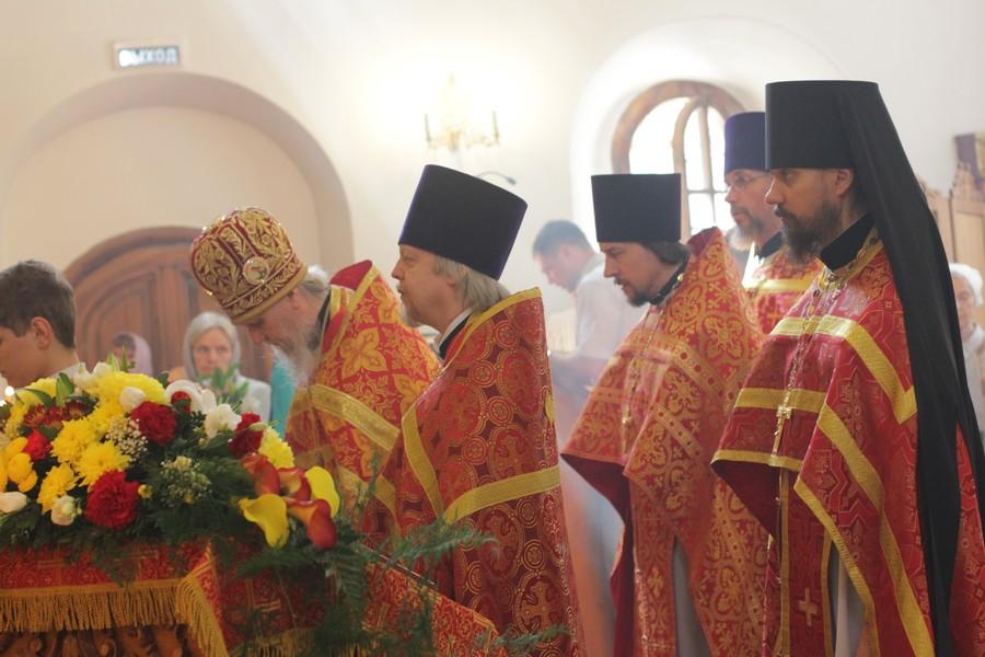 Настоятель храма святого апостола и евангелиста Иоанна Богослова на Бронной протоиерей Андрей Хохлов